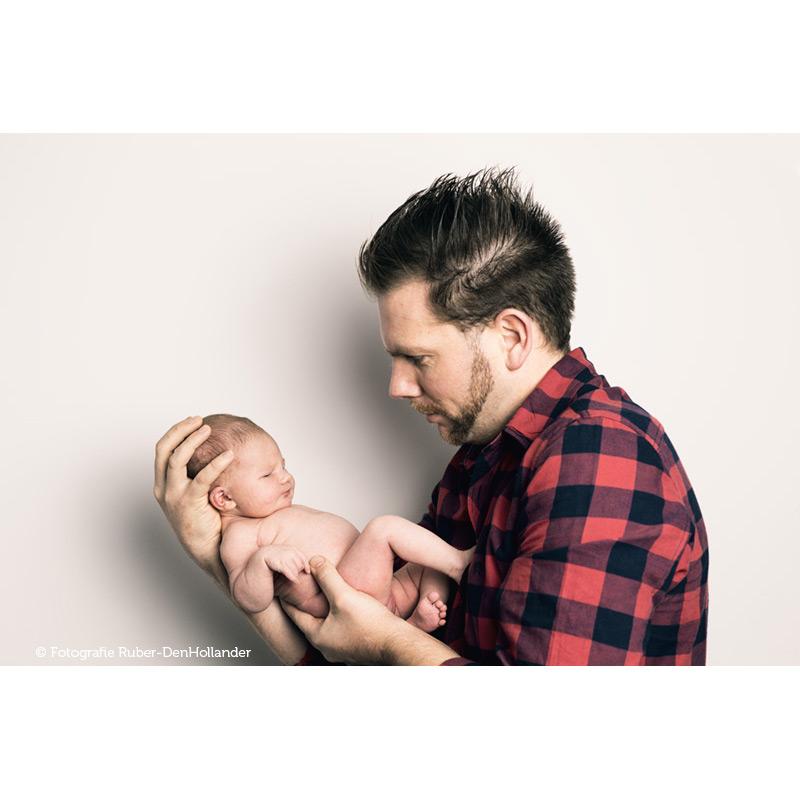 FamiliePortret-vader-met-baby_01A2387©FotografieRuberDenHollanderweb800