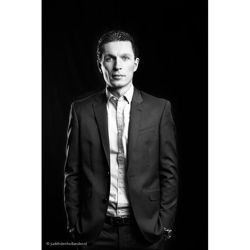 Goed-zakelijk-portret-Manager-zwart-wit_DP©JDH_899web800