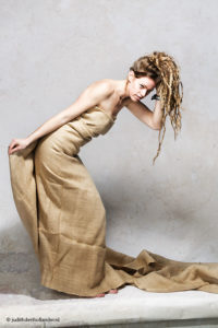 Beautiful Model Burlap wrap | Fashion Portrait -Bending Forward Pose- | Ploni © Fine Art Photographer Judith den Hollander.