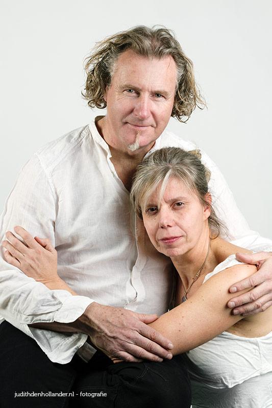 HighKey-ish Dubbelportret van een man en vrouw | Portretfotografie Judith den Hollander.