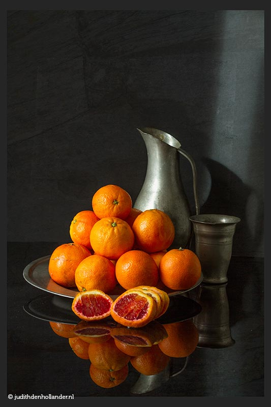 Great light Still Life with Oranges | Mooi licht, Fine Art Serie | Fine art fotokunst | Serie Oudhollands © Judith den Hollander