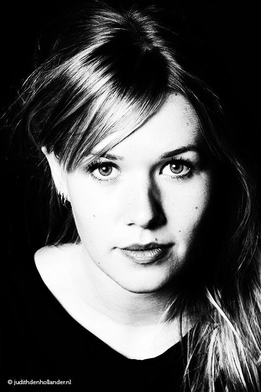 Fine Art ZW Beauty portret | Studio portret | Portretfotografie Judith den Hollander.