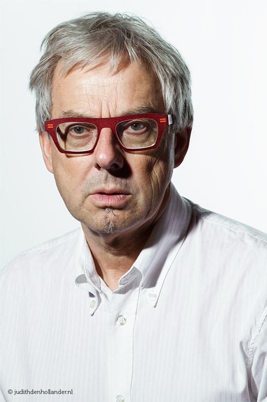 Goed portret van een man | wit op wit | High key-ish | Portretfotografie Judith den Hollander | ©