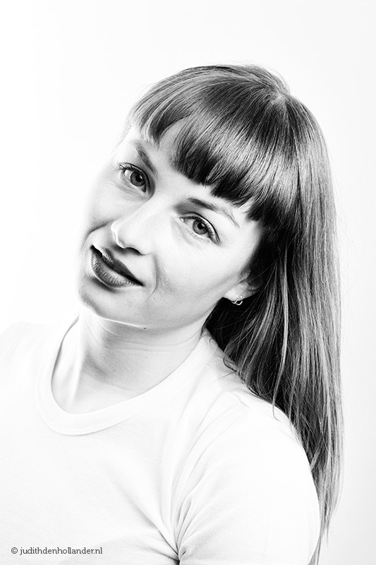 Beauty portret, high-key en zwart-wit | Fine art portretfotografie Judith den Hollander.