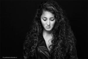 Zwart-wit fine art portret of toch liever in kleur?