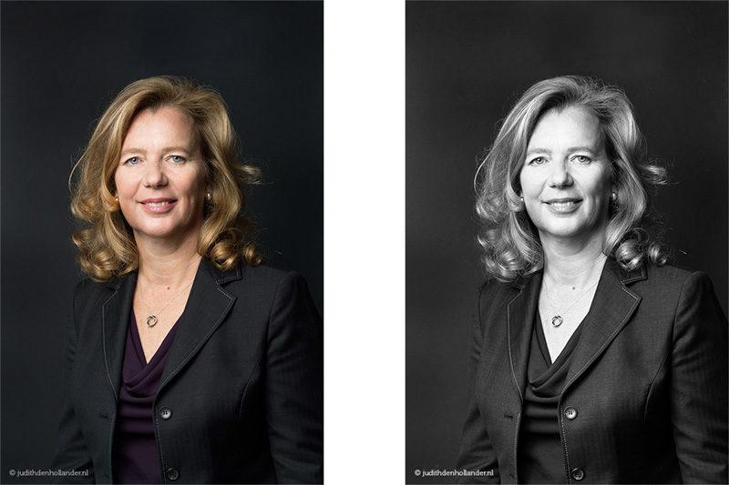 In-home portrait session. Zakelijk portret gemaakt op locatie. Klassiek portret tegen een zwarte achtergrond. Mobiele studio JDH.
